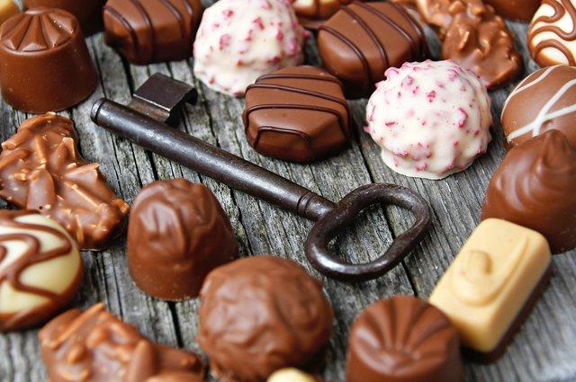 Як правильно їсти шоколад - фото 347029