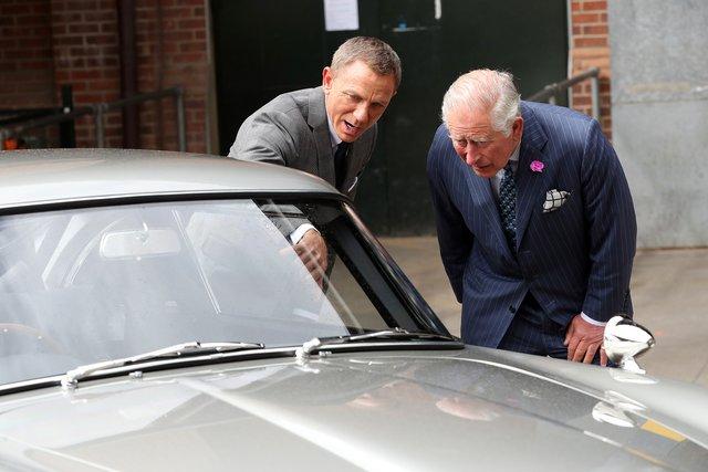 Принц Чарльз з'явився на знімальному майданчику фільму - фото 347157