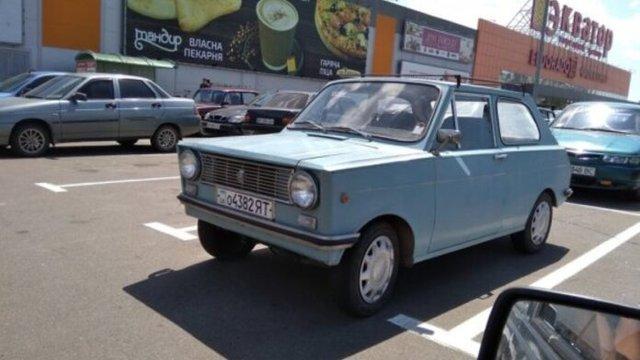 В Україні бачили рідкісне саморобне авто Азов - фото 347161