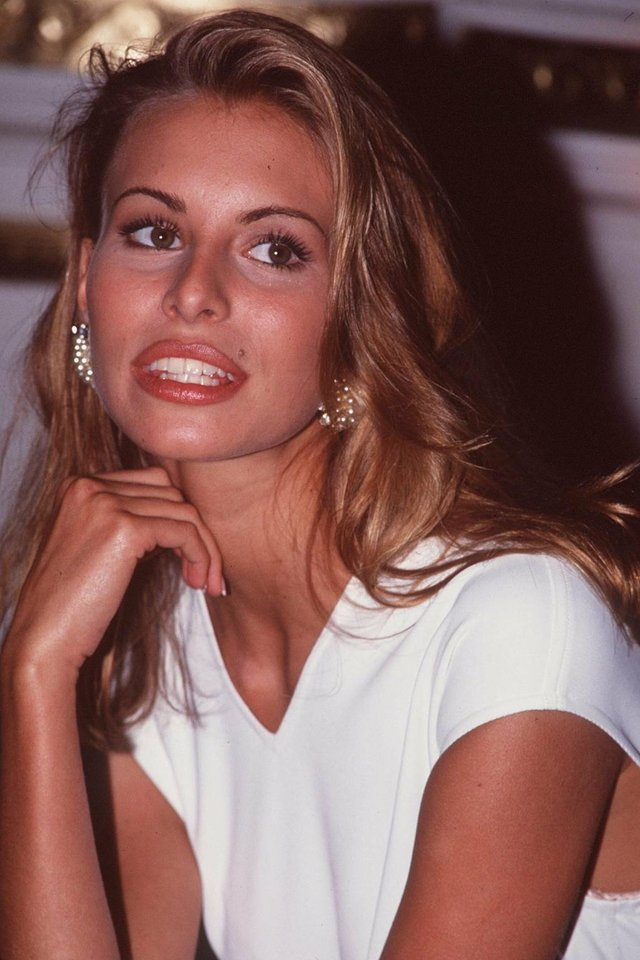 Моделі 90-х: як змінилася легендарна фотомодель Нікі Тейлор (18+) - фото 347453
