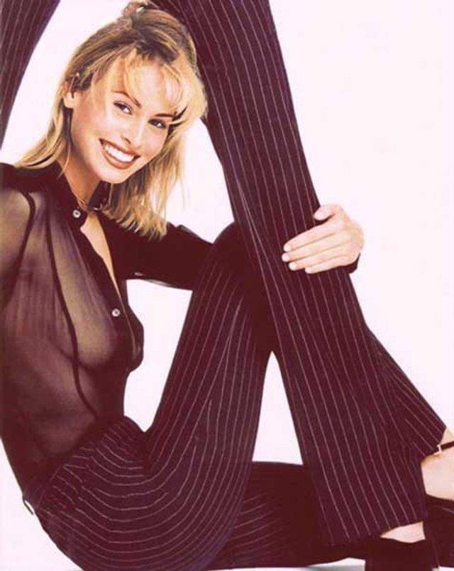 Моделі 90-х: як змінилася легендарна фотомодель Нікі Тейлор (18+) - фото 347466