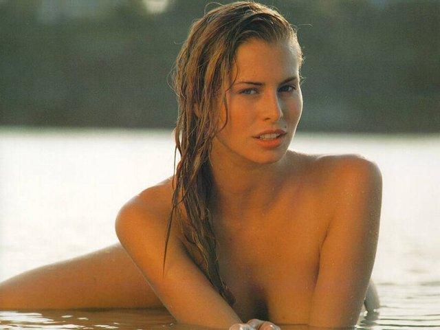 Моделі 90-х: як змінилася легендарна фотомодель Нікі Тейлор (18+) - фото 347473