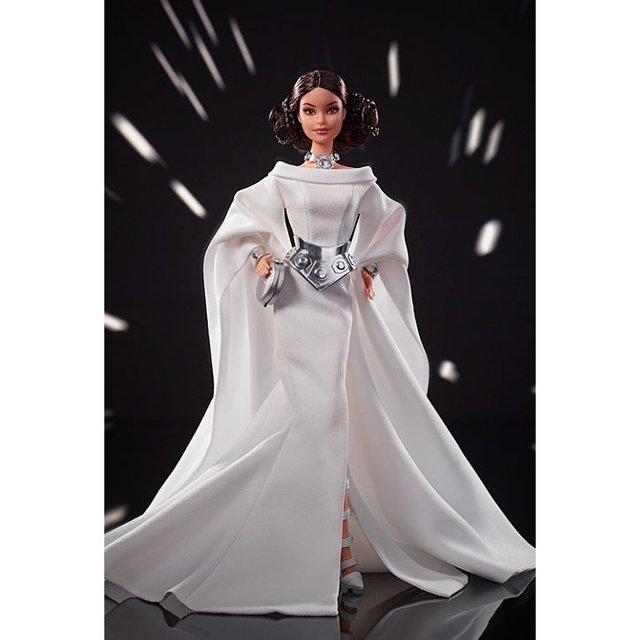 Зоряні війни для дівчаток: з'явились незвичайні ляльки Барбі - фото 347727