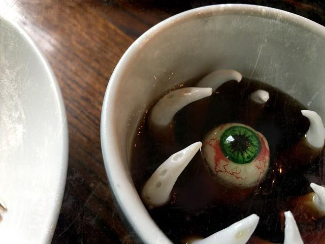 Десерти від цього майстра можуть не на жарт налякати - фото 348307