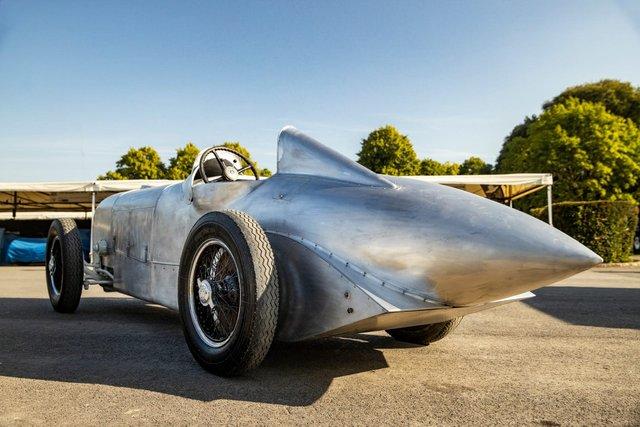 Mercedes відтворює гоночний болід 1932 року - фото 348391