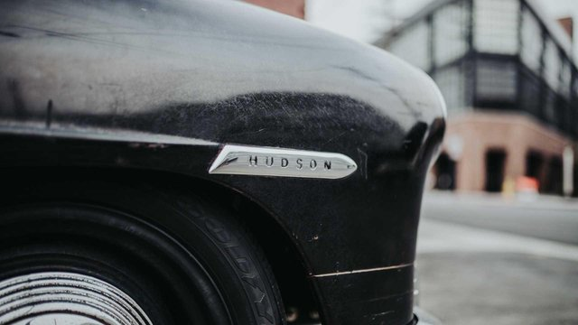 Pimp My Ride: 70-річне купе оснастили 638-сильним двигуном V8 - фото 348418