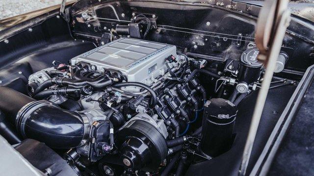 Pimp My Ride: 70-річне купе оснастили 638-сильним двигуном V8 - фото 348420