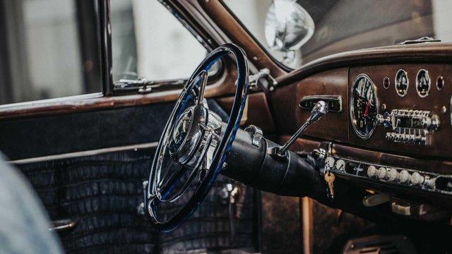 Pimp My Ride: 70-річне купе оснастили 638-сильним двигуном V8 - фото 348426
