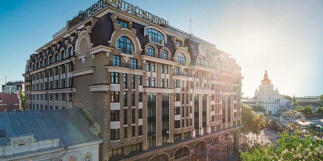 Forbes порадив туристам їхати до цього українського міста замість Парижа - фото 348775