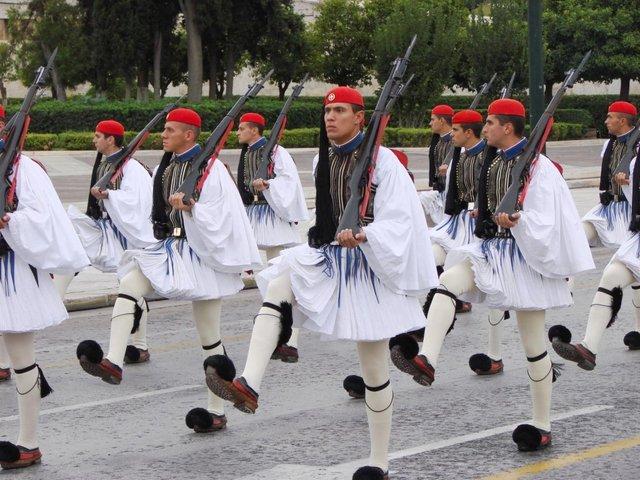 Не лише Шотландія: країни, в яких чоловіки носять спідниці - фото 349033