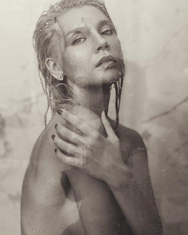 Ексучасниця ВІА Гри знялася повністю оголеною для чоловічого журналу (18+) - фото 349123