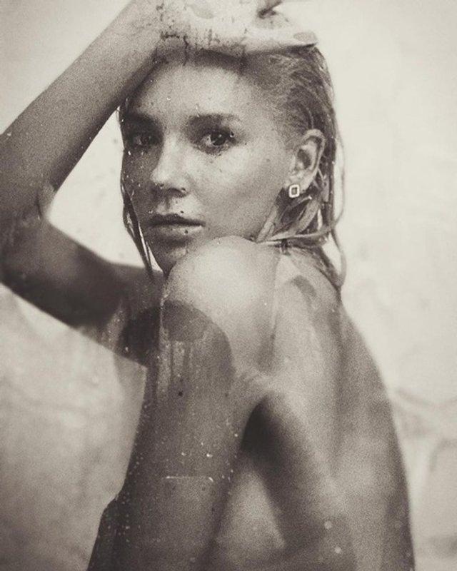 Ексучасниця ВІА Гри знялася повністю оголеною для чоловічого журналу (18+) - фото 349124