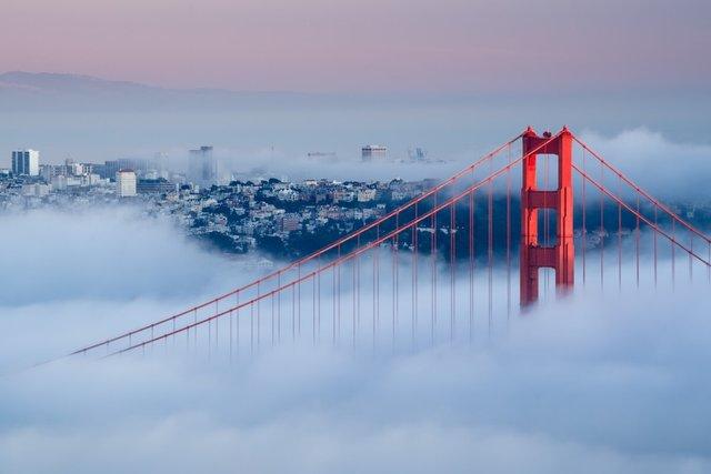 Камера передавала зображення знаменитого моста Золоті Ворота - фото 349202