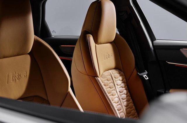 Audi показала новий 600-сильний універсал - фото 349361