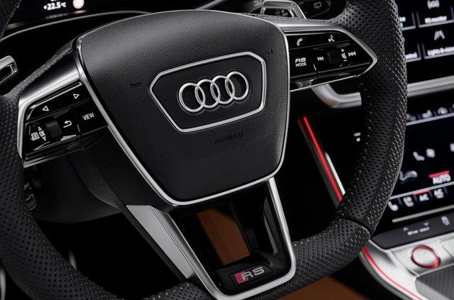 Audi показала новий 600-сильний універсал - фото 349362