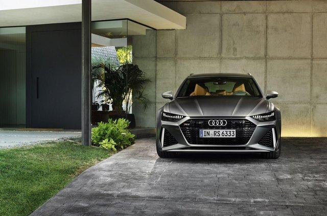 Audi показала новий 600-сильний універсал - фото 349370
