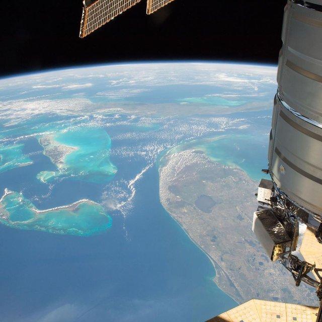 Який вигляд мають Багами з космосу: захопливе фото NASA - фото 349446
