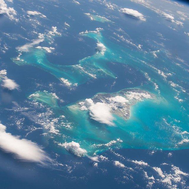 Який вигляд мають Багами з космосу: захопливе фото NASA - фото 349447