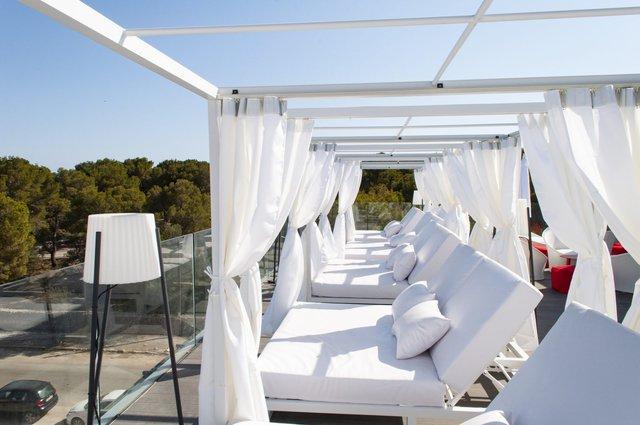 В Іспанії відкрили перший готель лише для жінок - фото 349726