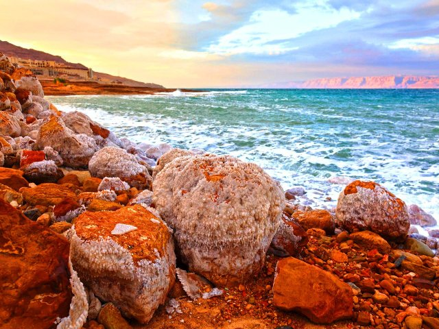 Відпочинок по-королівськи: чому варто поїхати на море в Йорданію - фото 349885