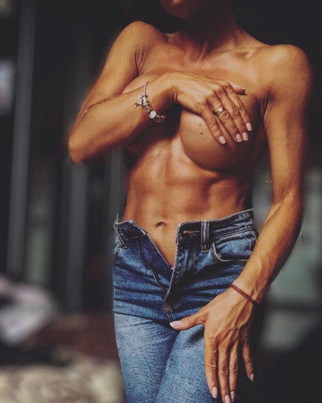 Дівчина тижня: Юлія Мішура – гаряча українська фітнес-модель з неймовірними формами (18+) - фото 350109
