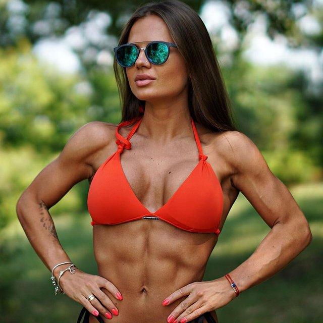 Дівчина тижня: Юлія Мішура – гаряча українська фітнес-модель з неймовірними формами (18+) - фото 350115