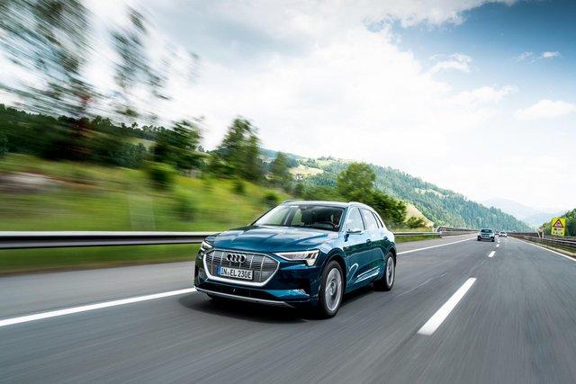 Електричний Audi e-tron проїхав 10 країн за добу - фото 350535