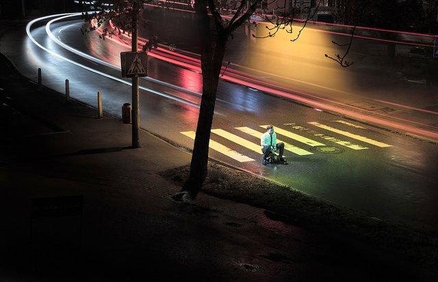 Фотограф знайшов спосіб показати межу між дитинством і дорослим життям - фото 350562