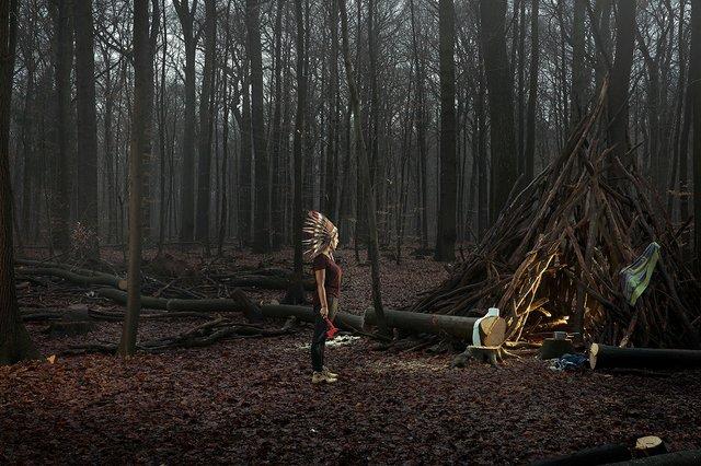 Фотограф знайшов спосіб показати межу між дитинством і дорослим життям - фото 350567