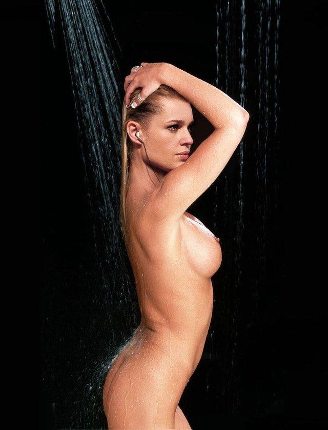Моделі 90-х: як змінилася білява амазонка Ребека Ромейн (18+) - фото 350589