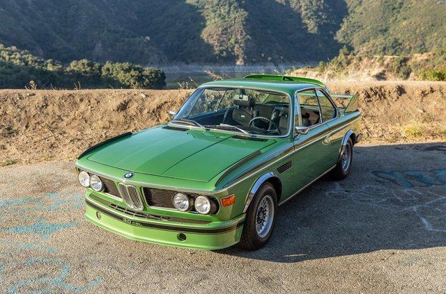 Один з 57 'бетмобілів' BMW пустять з молотка - фото 350640