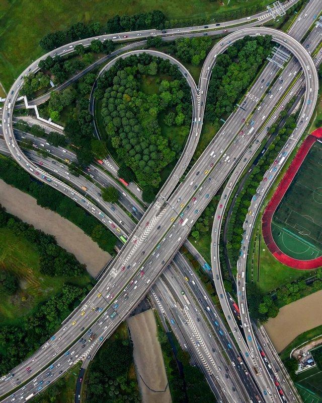 Вражаючі фото світу з висоти пташиного польоту: яскраві кадри - фото 350655