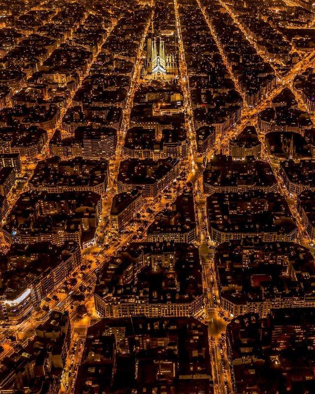 Вражаючі фото світу з висоти пташиного польоту: яскраві кадри - фото 350663