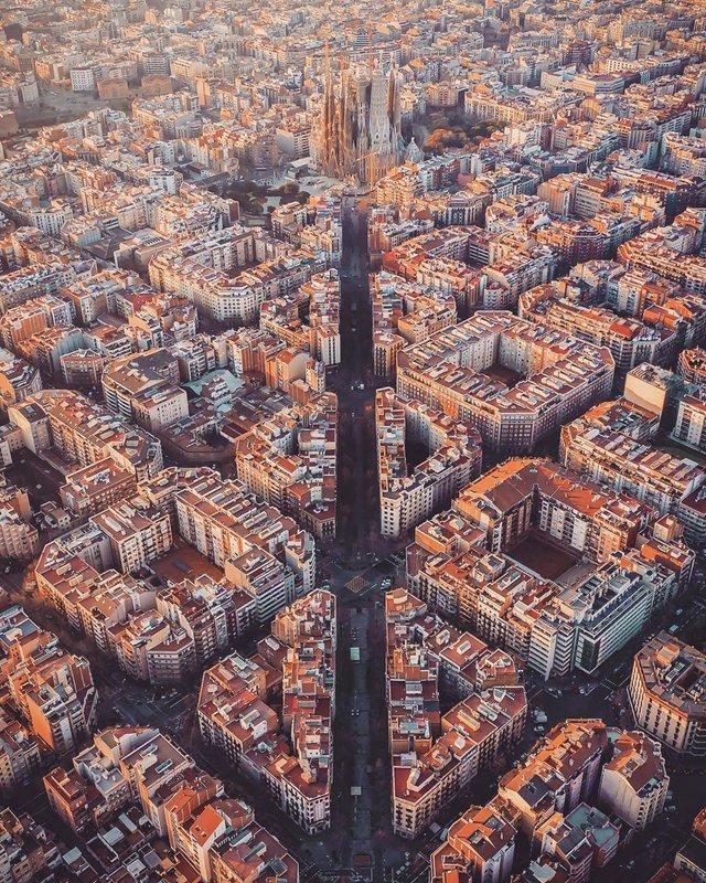 Вражаючі фото світу з висоти пташиного польоту: яскраві кадри - фото 350665