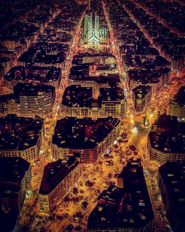 Вражаючі фото світу з висоти пташиного польоту: яскраві кадри - фото 350666