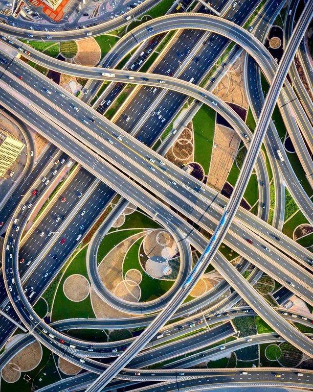 Вражаючі фото світу з висоти пташиного польоту: яскраві кадри - фото 350669