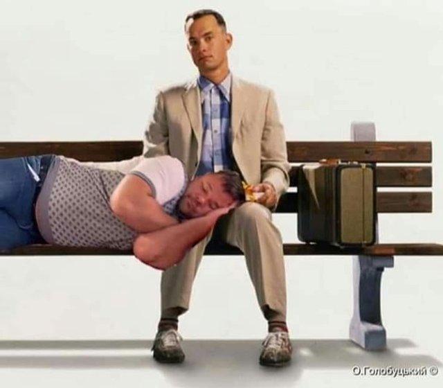 Сплячий на колінах Богдан: найкращі меми з соцмереж - фото 350968