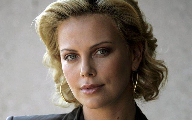 Солодкі 90-ті: найкрасивіші жінки тих часів - фото 351403