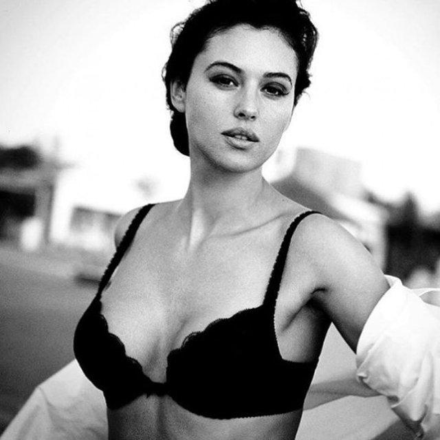 Солодкі 90-ті: найкрасивіші жінки тих часів - фото 351405