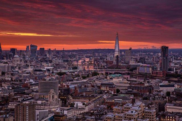 Руфер показує найефектніші краєвиди Лондона: яскраві фото - фото 351440