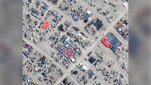 Фестиваль Burning Man 2019 показали з космосу: видовищні кадри - фото 351622