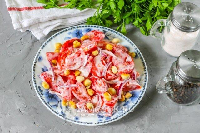 Салат з помідорів з арахісом: оригінальний рецепт у фото - фото 351629