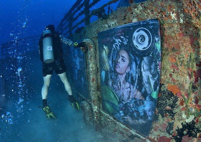 Фотограф з Австрії проводить виставки своїх робіт під водою: ефектні фото - фото 351899