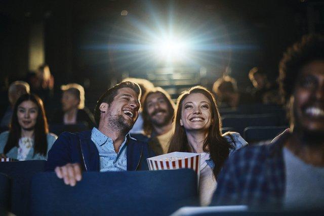 Не займайтесь сексом у кінотеатрі - фото 351933