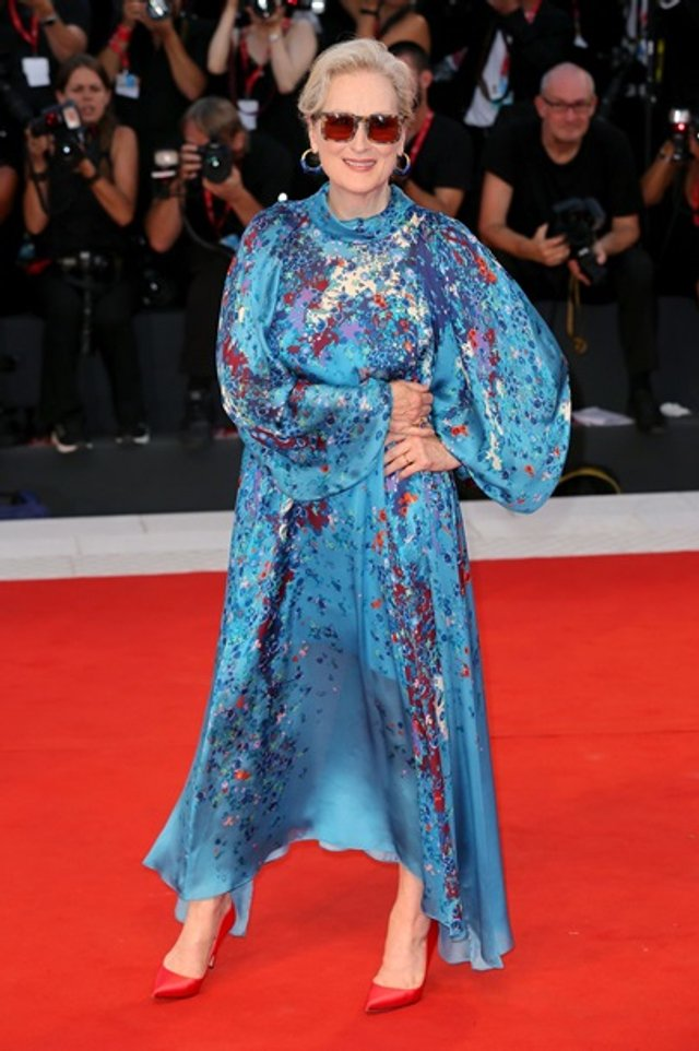 70-річна Меріл Стріп вийшла у світ в напівпрозорій сукні - фото 352070