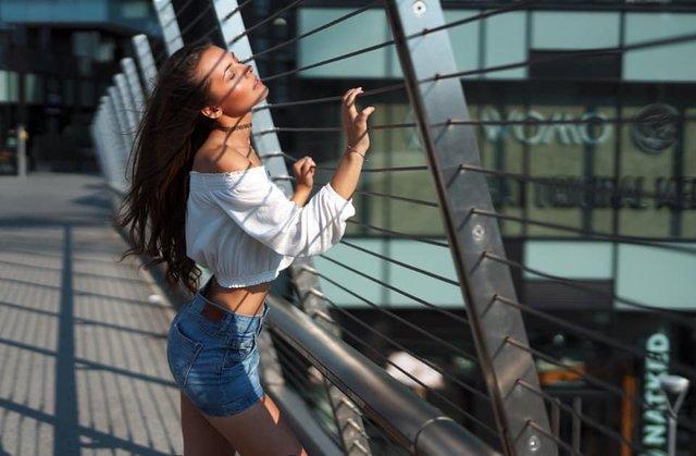 Ця українка претендує на звання Міс Італія 2019: гарячі фото - фото 352116