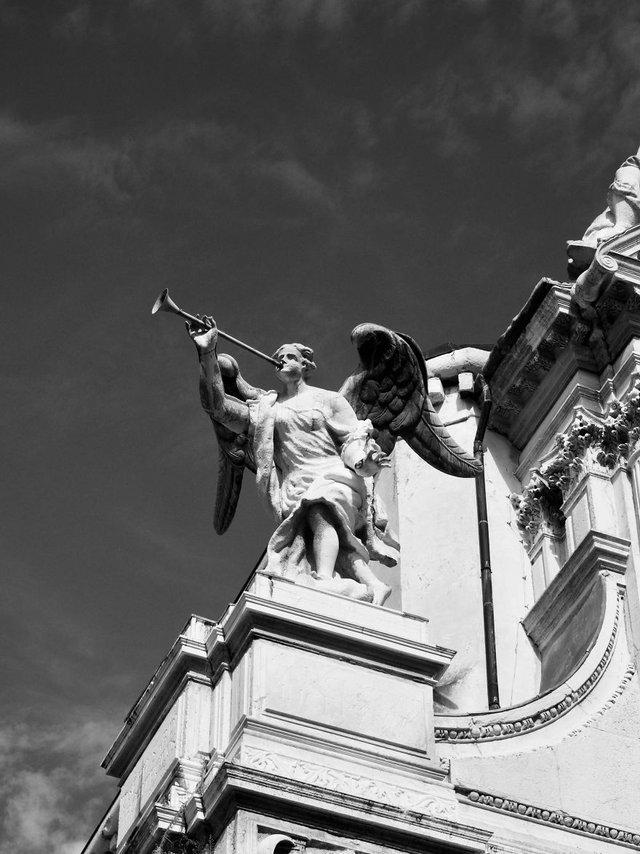 Прогулянка Венецією у чорно-білих фото, від яких перехоплює подих - фото 352460