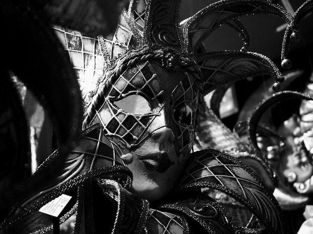 Прогулянка Венецією у чорно-білих фото, від яких перехоплює подих - фото 352469