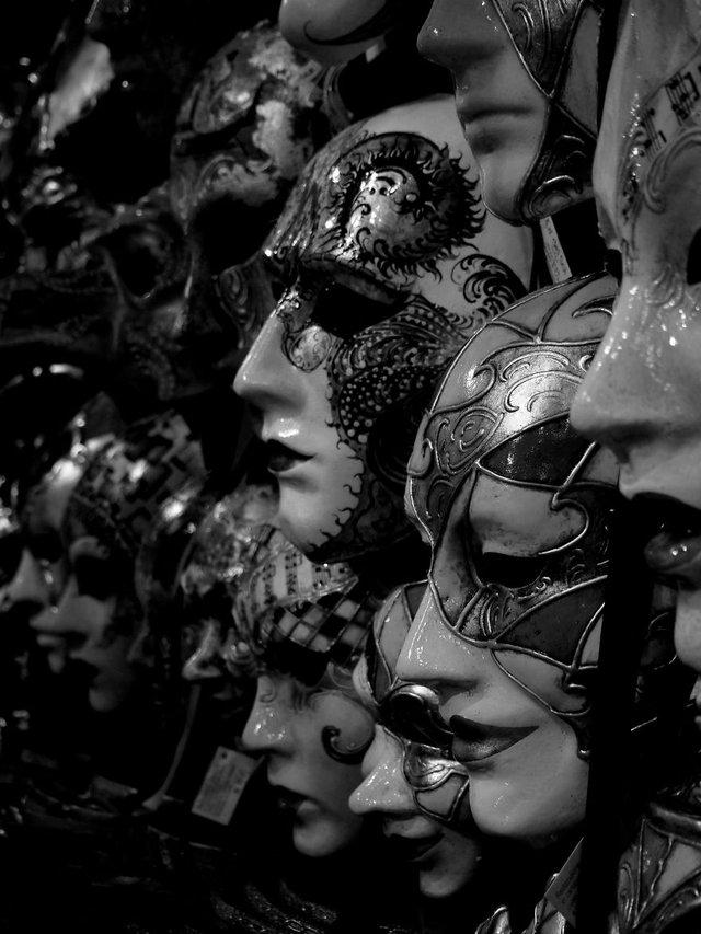 Прогулянка Венецією у чорно-білих фото, від яких перехоплює подих - фото 352470
