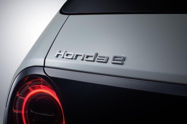 У мережі розкрили технічні характеристики серійного електрокара Honda e - фото 352473